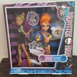 Ashlynn Ella Mirror Beach Creative Monster High Exclusive Werewolf Sister Pack Clawdeen & Howleen Wolf