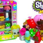 Cheeky Chocolate Shopkin Excellent Shopkins Vending Machine Playset with 2 Exclusive Shopkins Peppa Pig