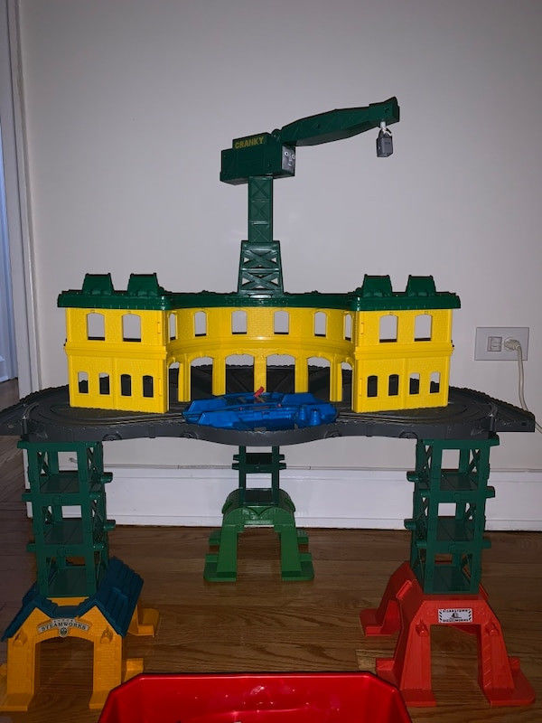 Cranky Thomas Train Wonderful Used Selling A Bog Set Of toys Thomas the Train Superstation with
