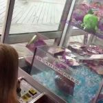 Shopkins Chocolate Bar Awesome Trying to Win Shopkins at A Claw Machine